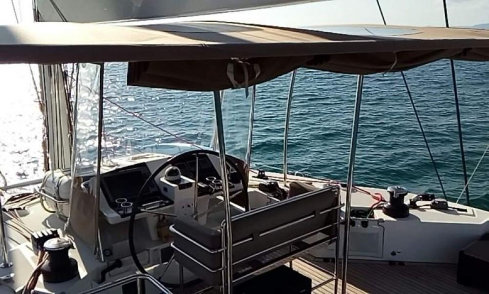 Lagoon Lagoon 560 zwischen Privatpersonen und professionellem Anbieter Martinique