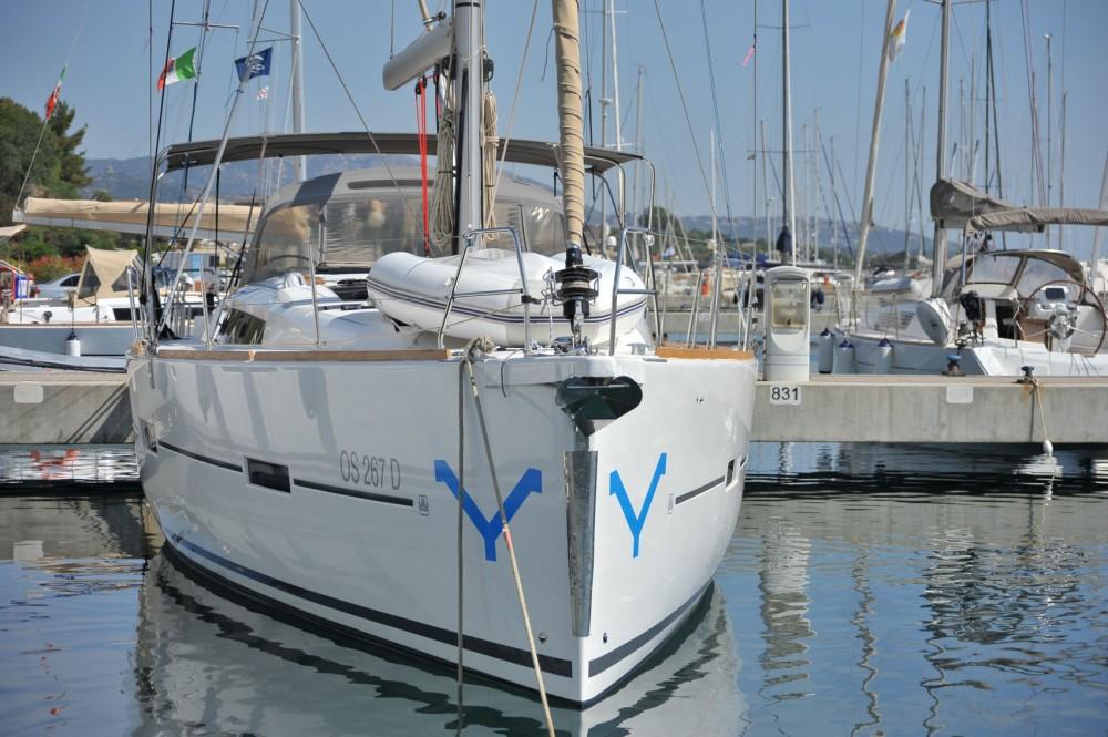 Ein Dufour Dufour 460 Grand Large mieten in Sardinien