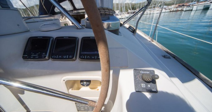 Segelboot mieten in Seget Donji zum besten Preis