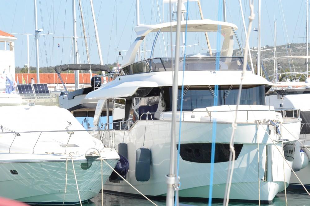 Vermietung Motorboot Absolute mit Führerschein