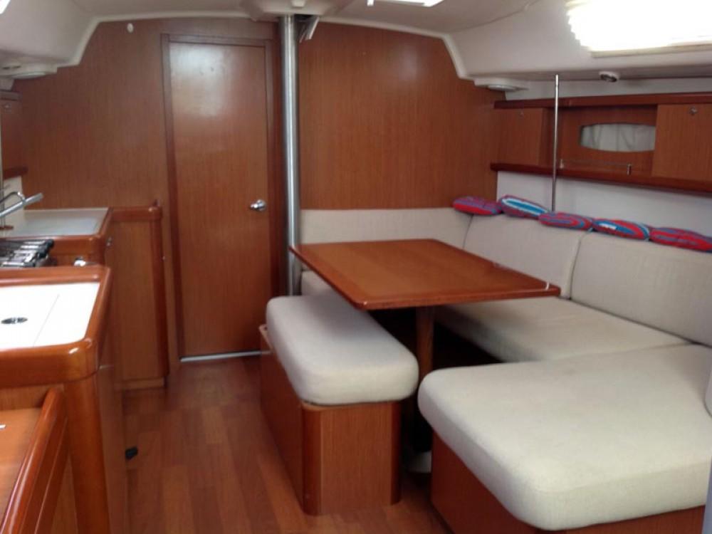 Segelboot mieten in Nettuno - Bénéteau Oceanis 40