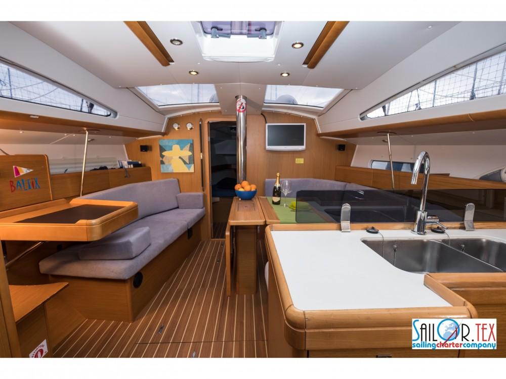 Segelboot mieten in Castiglioncello - Jeanneau Sun Odyssey 42 DS