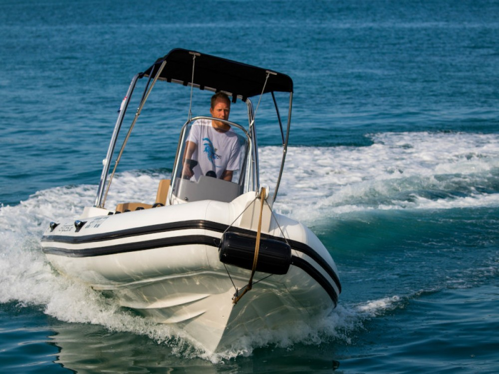 Yacht-Charter in Zadar - Cantiere TEMPEST 600 + Honda 115 auf SamBoat