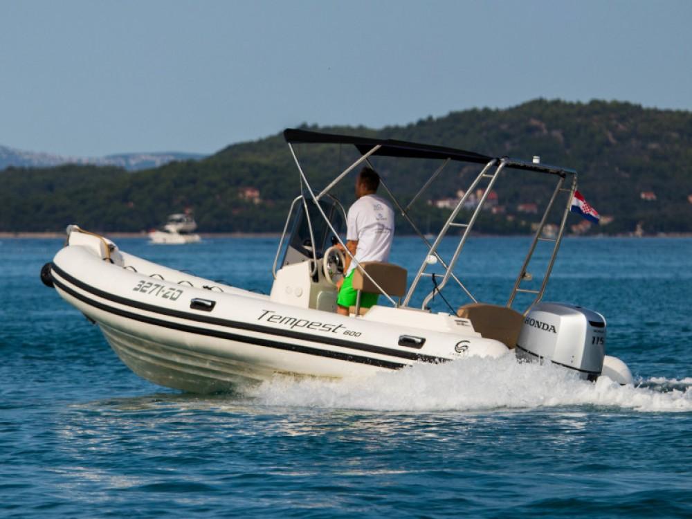 Motorboot mit oder ohne Skipper Cantiere mieten in Zadar