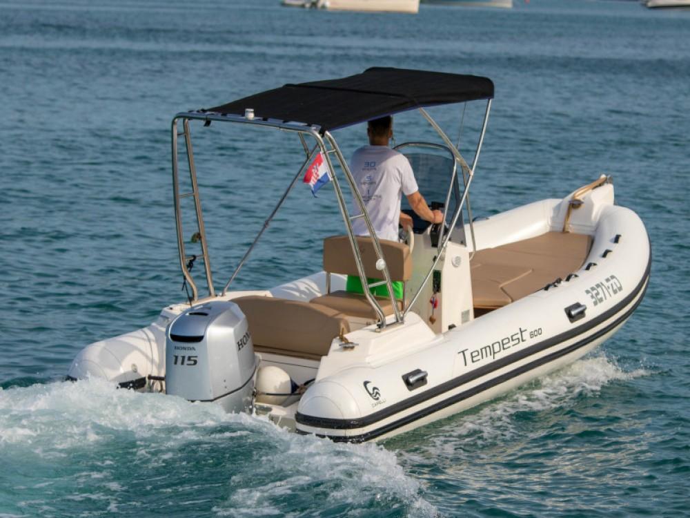 Bootsverleih Zadar günstig TEMPEST 600 + Honda 115