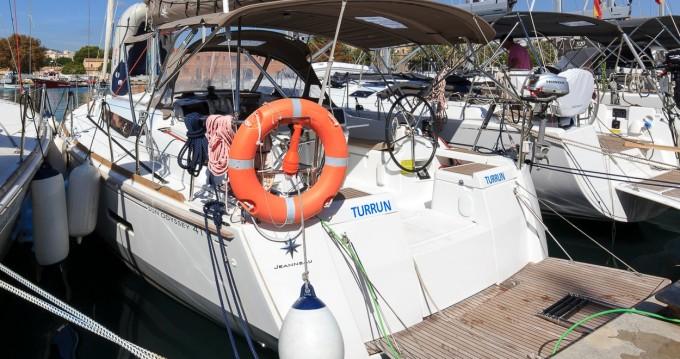 Ein Jeanneau Sun Odyssey 419 mieten in Palma de Mallorca