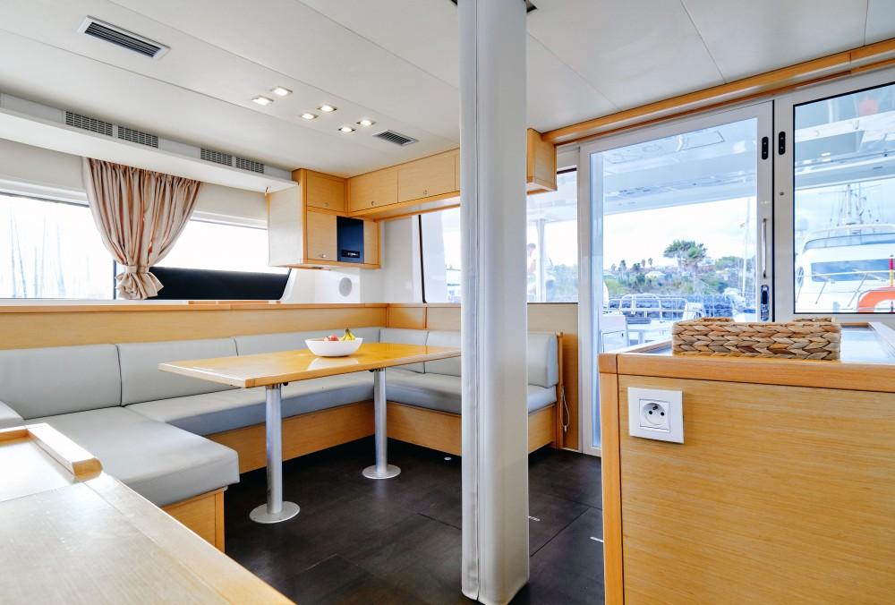 Lagoon Lagoon 52F zwischen Privatpersonen und professionellem Anbieter Ibiza Magna