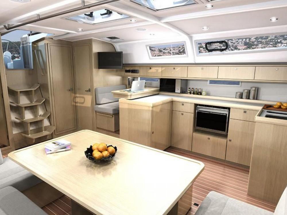 Bootsverleih Pomer günstig Bavaria 51 Cruiser