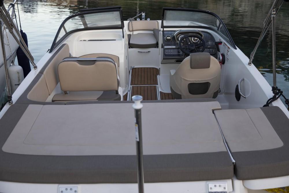 Yacht-Charter in Mandelieu-la-Napoule - Bayliner VR5 OE auf SamBoat