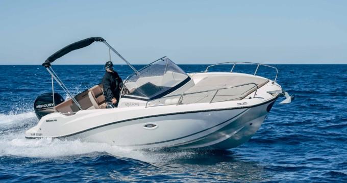 Motorboot mit oder ohne Skipper Quicksilver mieten in Pointe-Rouge