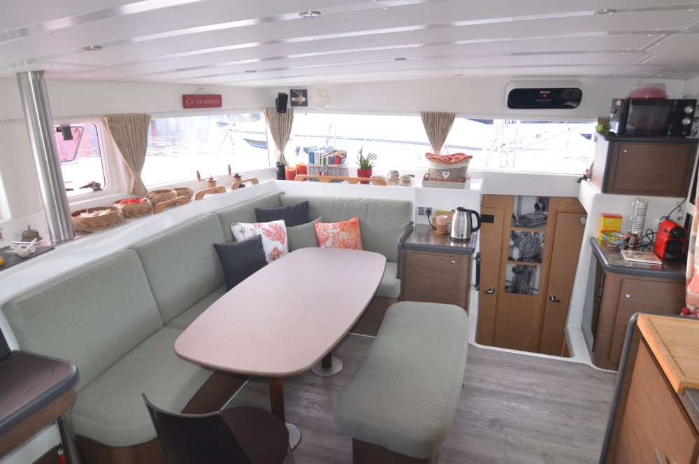 Yacht-Charter in Port Grimaud - Lagoon Lagoon 420 auf SamBoat