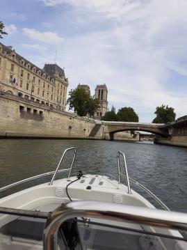 Terhi BR 475 zwischen Privatpersonen und professionellem Anbieter Vaux-sur-Seine