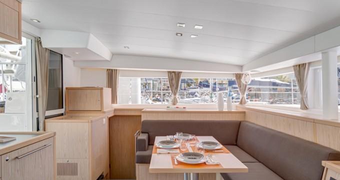 Yacht-Charter in Sant Antoni de Portmany - Lagoon Lagoon 400 S2 auf SamBoat