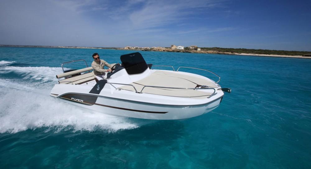 Motorboot mieten in Le Verdon-sur-Mer zum besten Preis