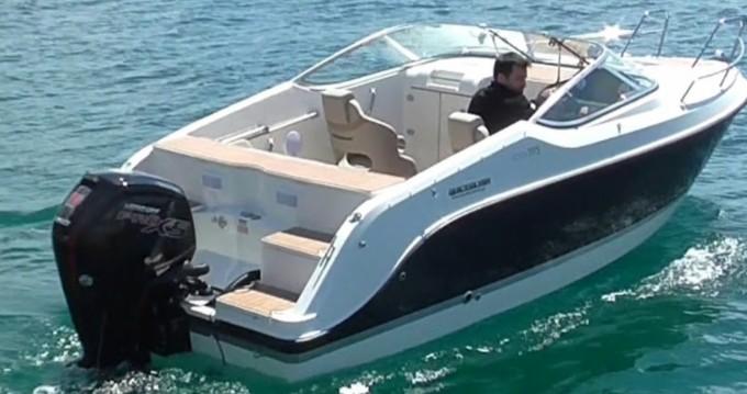 Quicksilver Activ 595 Cruiser zwischen Privatpersonen und professionellem Anbieter Antibes