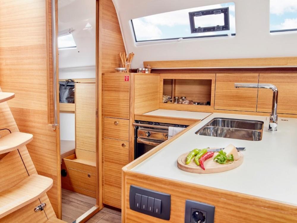 Segelboot mit oder ohne Skipper Elan mieten in Pirovac