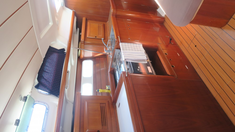 Yacht-Charter in Pirovac - Bénéteau Oceanis 423 auf SamBoat