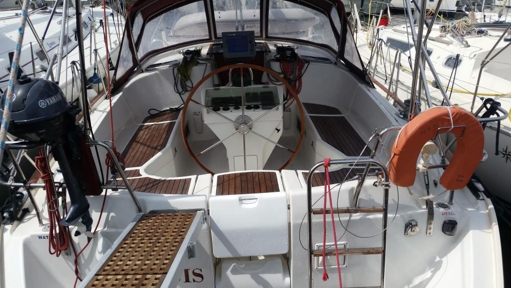 Bénéteau Oceanis 411 Clipper zwischen Privatpersonen und professionellem Anbieter Marina Alimos
