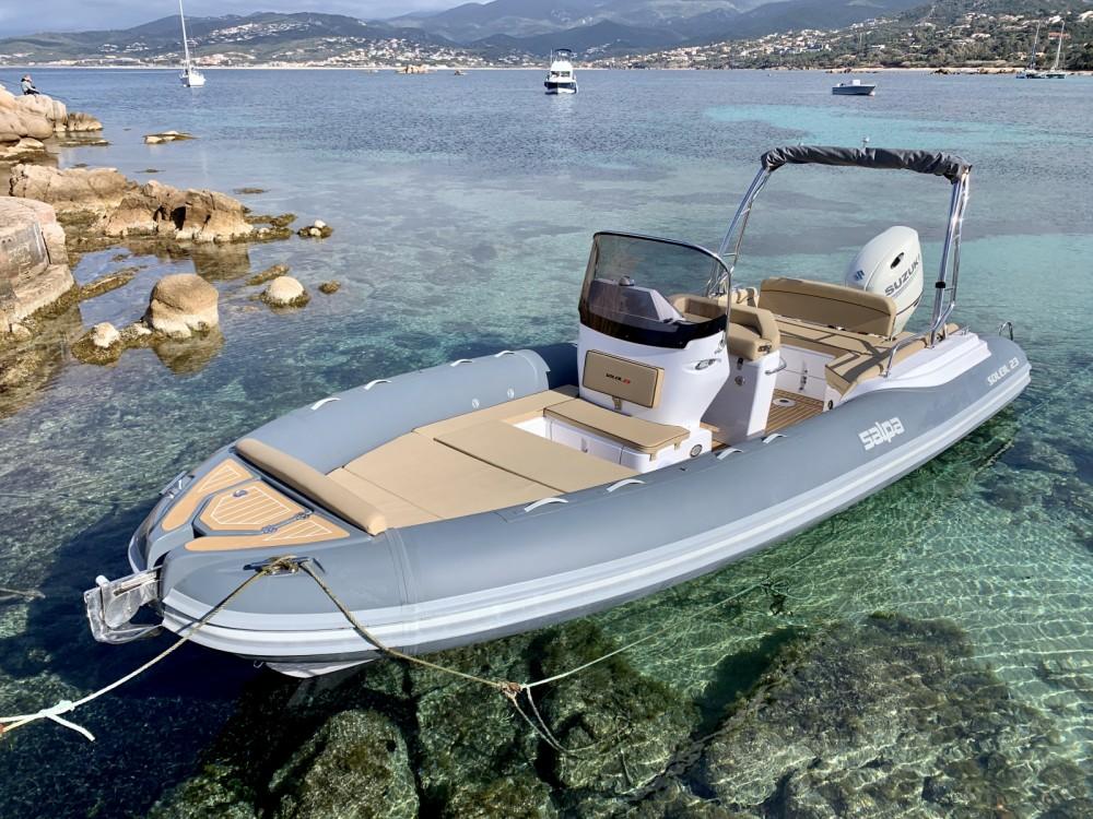 Schlauchboot mieten in Pietrosella zum besten Preis