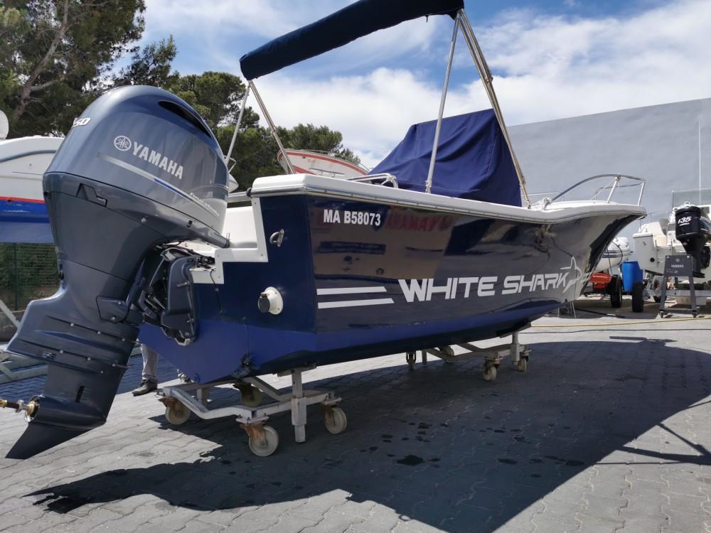 Ein White Shark White Shark 205 mieten in Marseille