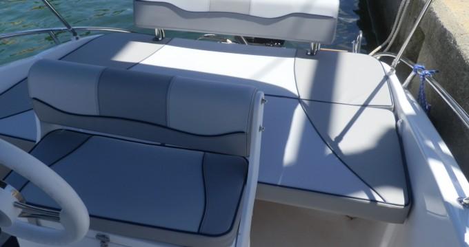 Motorboot mit oder ohne Skipper Salmeri mieten in Poreč
