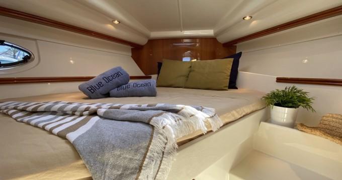 Motorboot mit oder ohne Skipper Pershing mieten in Ibiza Town