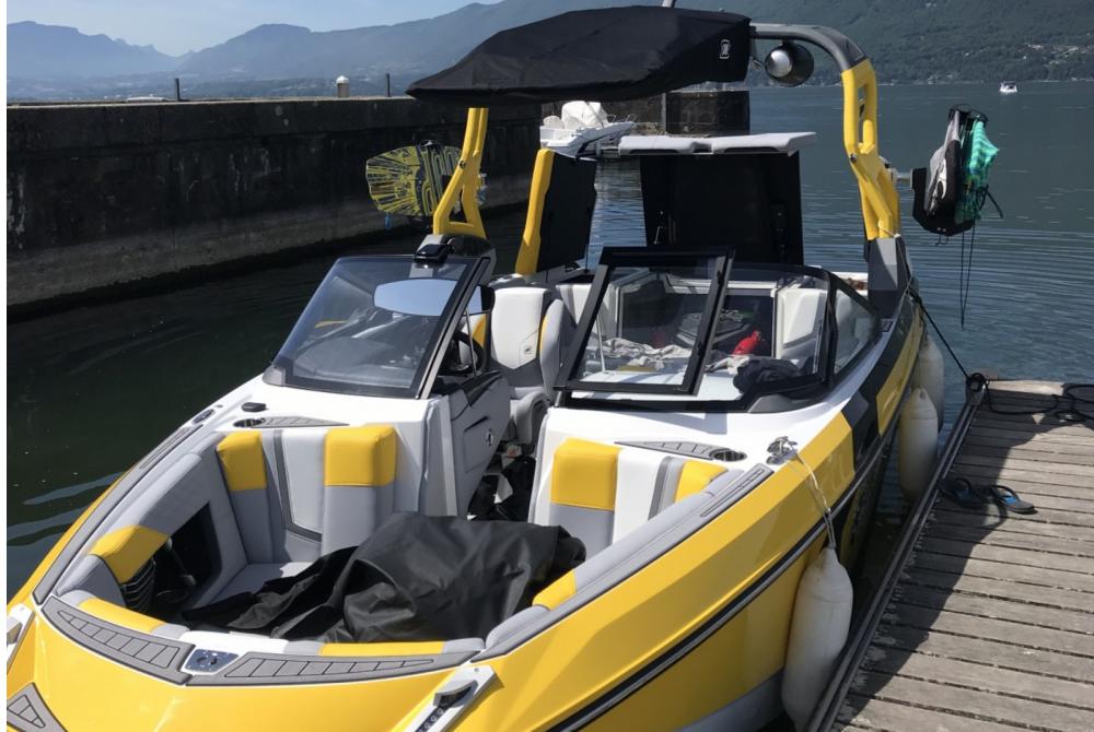 Motorboot mieten in Aix-les-Bains zum besten Preis