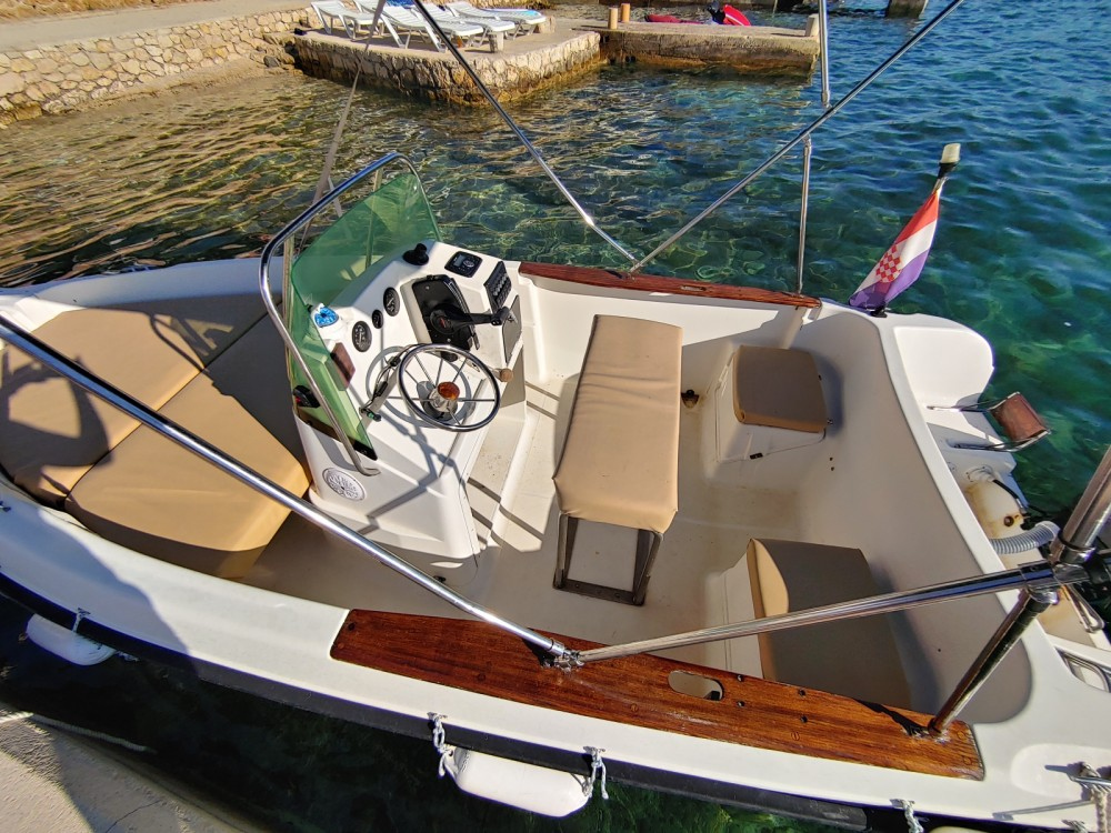 Yacht-Charter in Novaglia Vecchia - Elan Elan 17 CC auf SamBoat