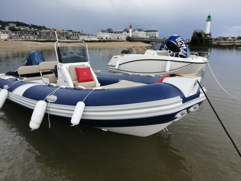 Schlauchboot mieten in Deauville zum besten Preis