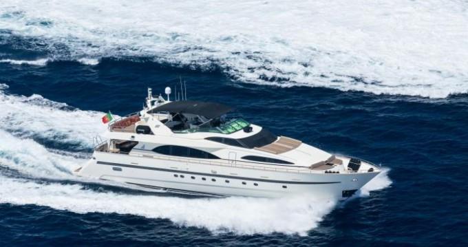 Yachten mit oder ohne Skipper Azimut mieten in Cannes