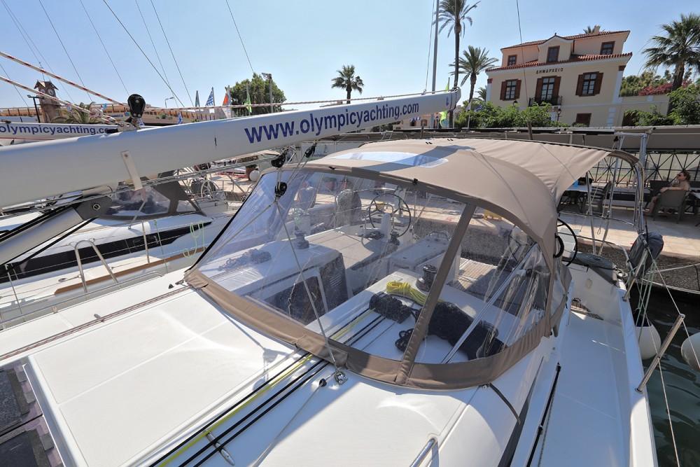 Jeanneau Sun Odyssey 440 zwischen Privatpersonen und professionellem Anbieter Peloponnese