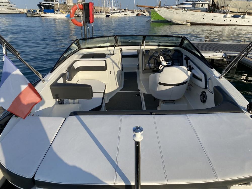 Motorboot mit oder ohne Skipper Sea Ray mieten in Antibes
