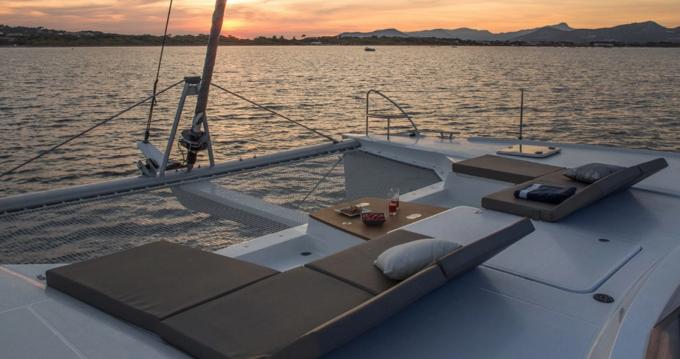 Yacht-Charter in La Rochelle - Fountaine Pajot Saba 50 auf SamBoat