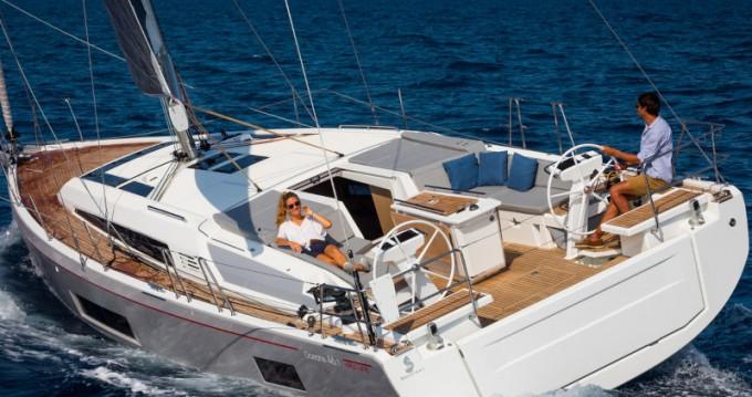 Bénéteau Oceanis 46.1 zwischen Privatpersonen und professionellem Anbieter Athen