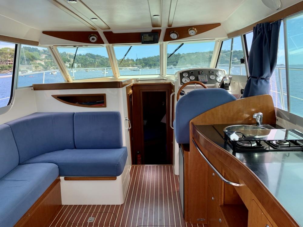 Motorboot mit oder ohne Skipper Ocqueteau mieten in Nizza