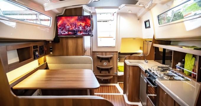 Vermietung Motorboot Northman Nexus r870 Evo mit Führerschein
