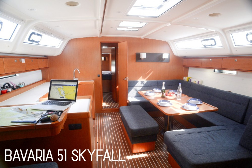Bavaria Bavaria Cruiser 51 zwischen Privatpersonen und professionellem Anbieter Marina Gouvia