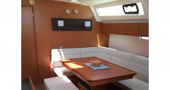 Segelboot mit oder ohne Skipper Bavaria mieten in Álimos