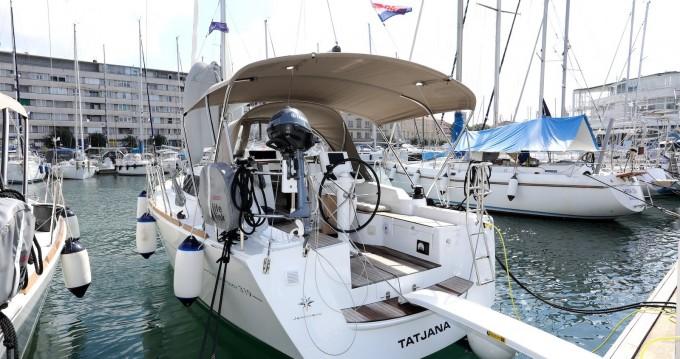 Jeanneau Sun Odyssey 319 zwischen Privatpersonen und professionellem Anbieter Pula