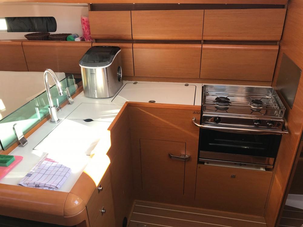 Yacht-Charter in  - Jeanneau Sun Odyssey 449 owner version  auf SamBoat