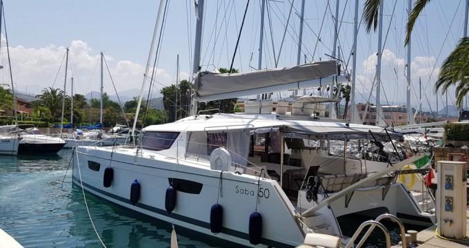 Fountaine Pajot Saba 50 zwischen Privatpersonen und professionellem Anbieter Marina di Portorosa