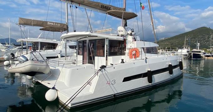 Katamaran mit oder ohne Skipper Bali Catamarans mieten in Salerno