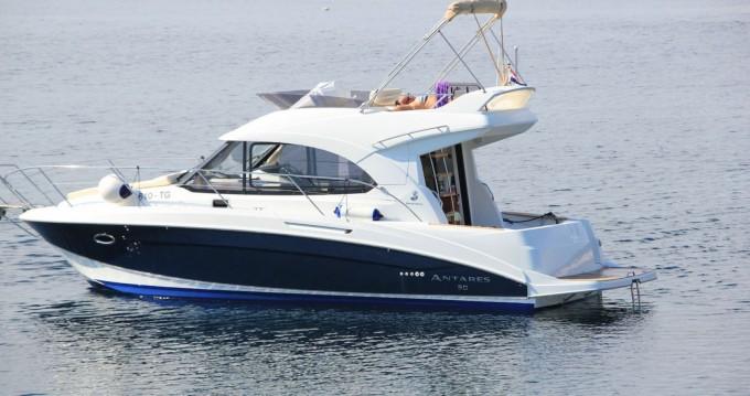 Yacht-Charter in Split - Bénéteau Beneteau Antares 30 Fly auf SamBoat