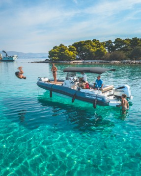 Schlauchboot mieten in Trogir - Marlin Boat 790 PRO BLACK EDITION UNIQUE