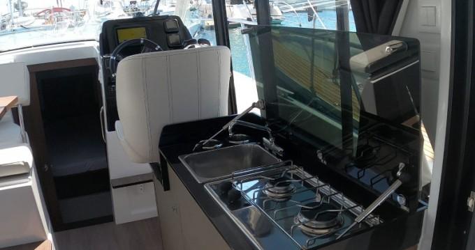 Bénéteau Antares 9 OB zwischen Privatpersonen und professionellem Anbieter Zadar