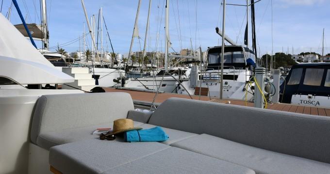 Ein Jeanneau Prestige 420 New mieten in Palma de Mallorca