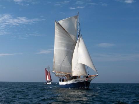 Segelboot mit oder ohne Skipper Iroko-Et-Chene mieten in Granville