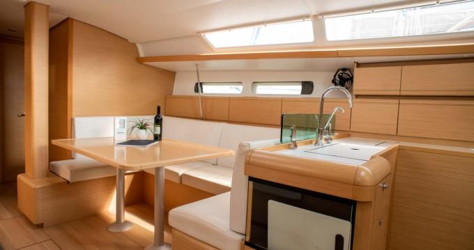 Yacht-Charter in Álimos - Jeanneau SUN ODYSEEY 449 auf SamBoat