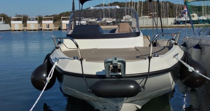 Bootsverleih Quicksilver Activ 605 Sundeck Pack Sport Pula Samboat