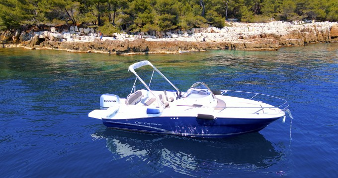 Motorboot mieten in Mandelieu-la-Napoule - Jeanneau Cap Camarat 6.5 CC Style
